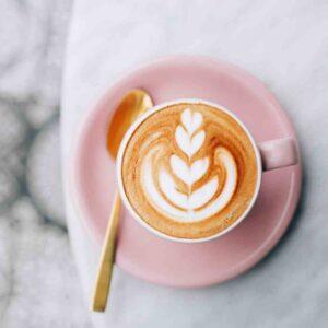 dlaczego warto pić kawę kofeina odwadnia